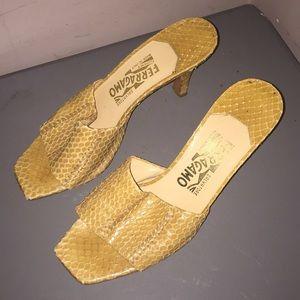 Salvatore Ferragamo shoes yellow snake skin Sz 8 B